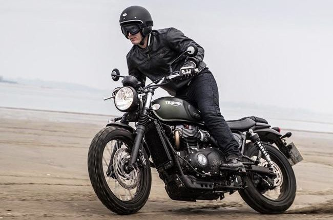 Essential motorcycle clothes for your ride